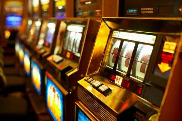 Как заработать в казино Вулкан Неон?
