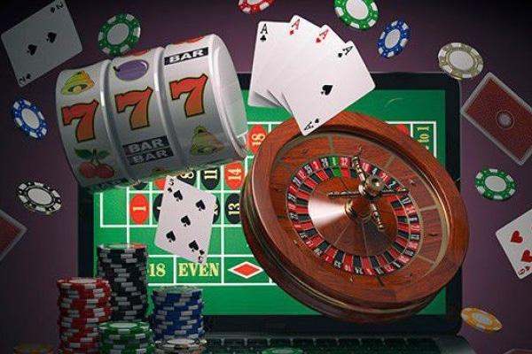Где найти вход в Гранд казино?