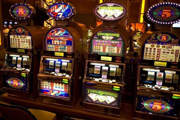 Игровые аппараты - как играть на деньги онлайн