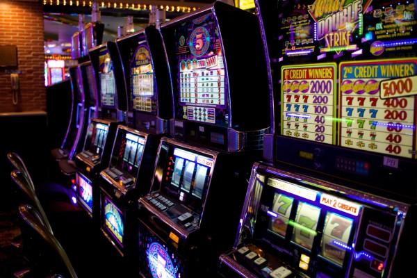 Игровые автоматы на деньги в казино GMSdeluxe