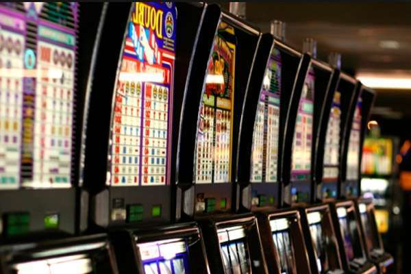 Слоты Sweet Life и Slot-o-Pol в казино Слот В
